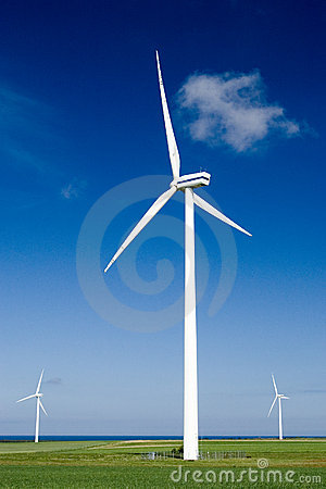 Free Wind Turbines In Green Field Royalty Free Stock Photos - 2431128