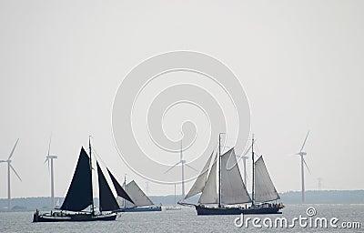 Wind voor het varen en windmolens