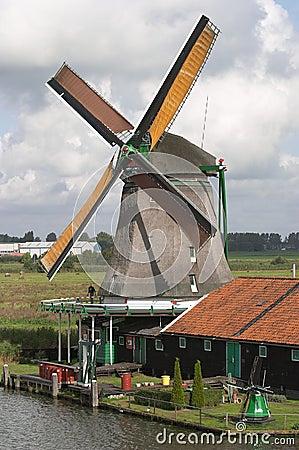 Free Windmill Stock Photo - 373280