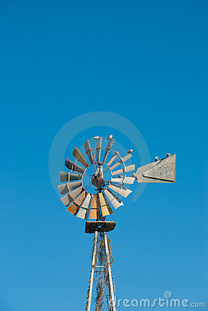 Free Windmill Pump Royalty Free Stock Photos - 20648518