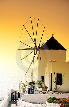 Free Windmill Sunset Royalty Free Stock Photo - 1024435