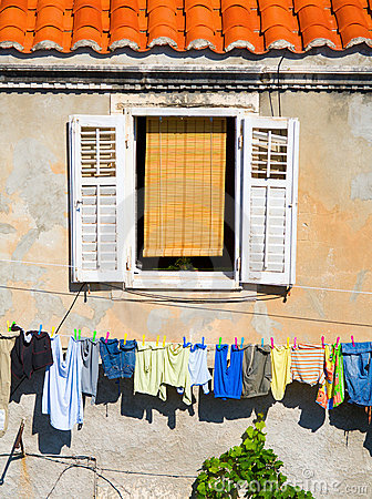 Free Window And Laundry Royalty Free Stock Photography - 14602637