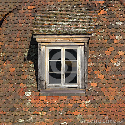 Free Window Of Attic On Old Tiled Roof. Royalty Free Stock Images - 34172299