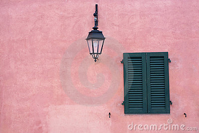Window in the wall pink