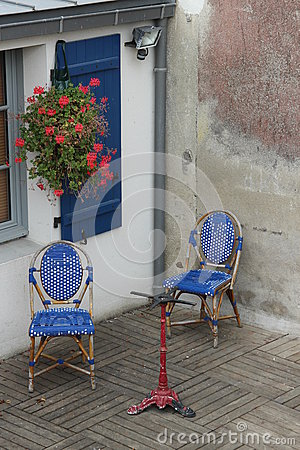 Free Window With Blue Shutters In Couryard With Chairs Stock Photo - 57663450