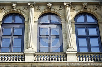 Windows with archways and colonnades, raw
