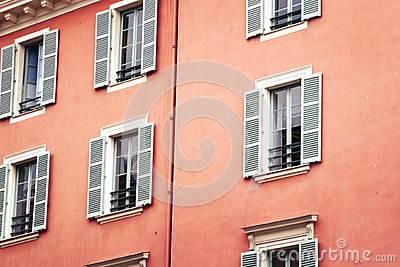 Windows of Nice