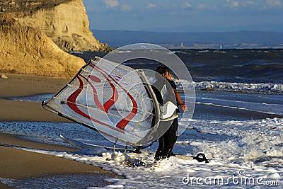 Windsurf on waves.
