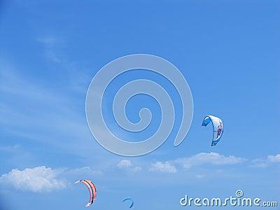 Windsurfing através dos paragliders