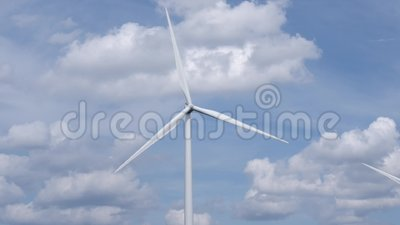 Windturbine loopt rond stock video