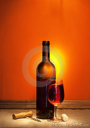 Free Wine And Corkscrew Royalty Free Stock Photos - 15494198