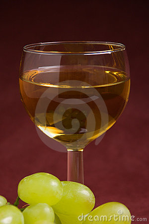 Free Wine And Grapes Stock Image - 1930971