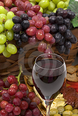 Free Wine And Grapes Royalty Free Stock Photos - 4762468