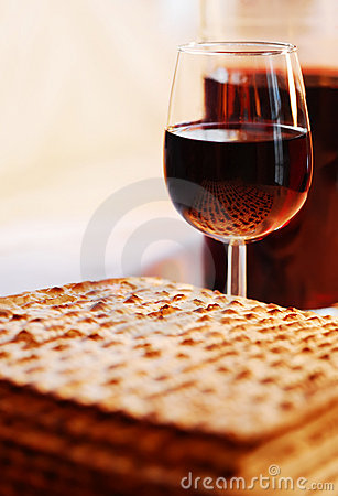 Free Wine And Matzot Royalty Free Stock Photo - 18811285