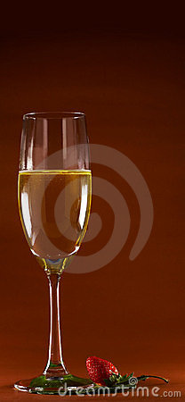 Free Wine And Strawberry Stock Image - 1918751