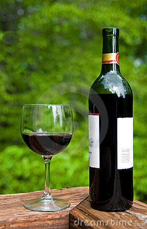 Free Wine Bottle And Wine Glass Stock Photos - 5706273