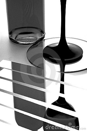Free Wine Bottle & Glass Abstract Royalty Free Stock Photos - 10567688