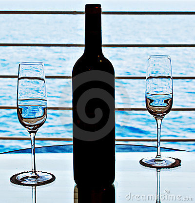 Free Wine Glasses And Wine Bottle Stock Photo - 10534810