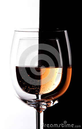 Wine glasses with contrast