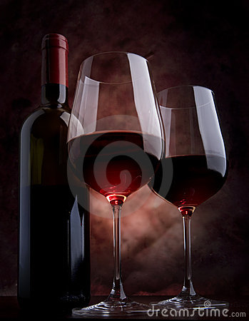 Free Wine Glasses On The Table Stock Photos - 17920393