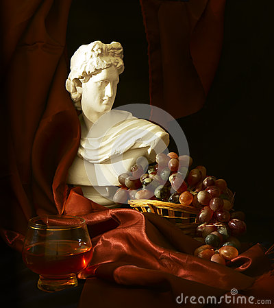 Wine traditions from antiquity to modern times.