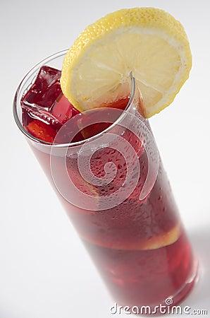 Wine wiht lemon, vino de verano