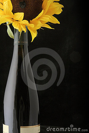 Free Wine With Sunflower Royalty Free Stock Photos - 818558