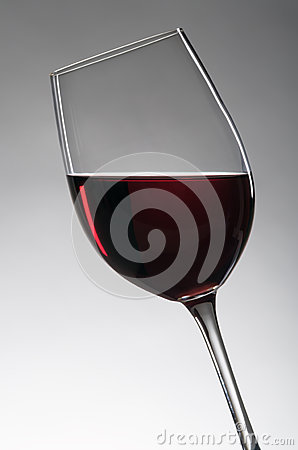 Wineglass with redwine