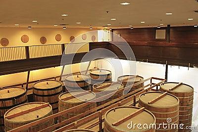 Winemaking and oak barrels