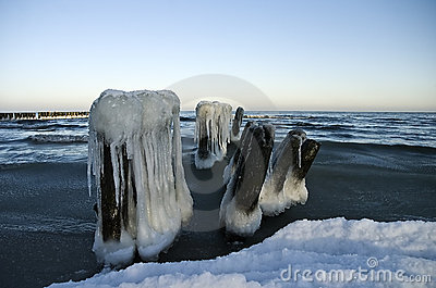 Winter breakwater