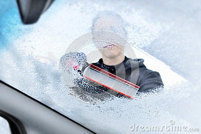 how to clean inside of windshield in winter