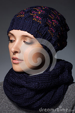 Free Winter Fashion Stock Images - 42262164