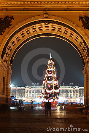 Free Winter Palace In Christmas Time Royalty Free Stock Photography - 4540977