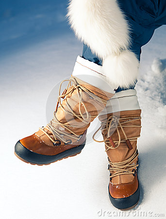 Free Winter Shoes In Snow Stock Photography - 27370002