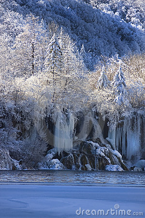 Free Winter-snow In Plitvice Lakes Nationa Park Royalty Free Stock Image - 7967136
