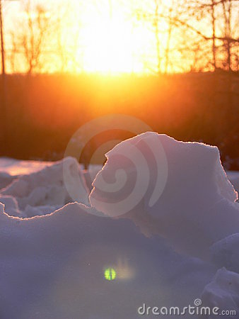 Winter: sunlit snow chunks