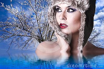 Winter woman with snow hat