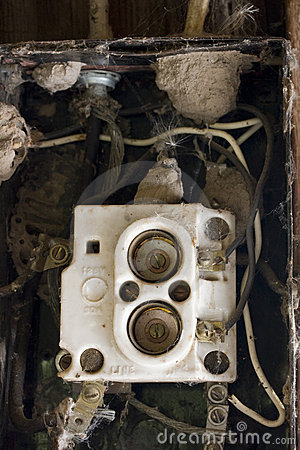 Free Wiring Problem Old Fuse Box With Spider Webs Royalty Free Stock Photography - 6212797