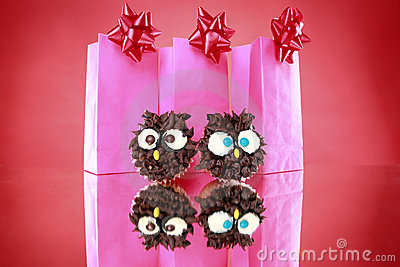 Wise owl cupcakes