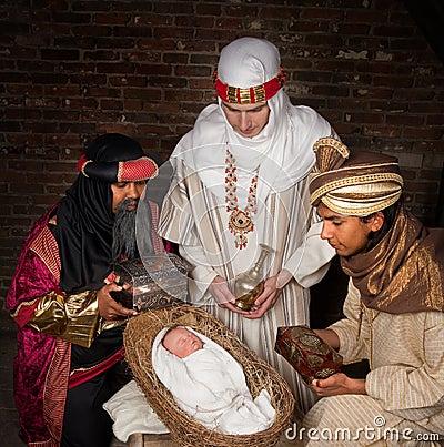 Wisemen que visita a Jesús