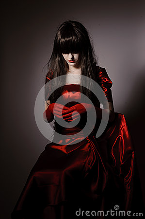 Free Witch Vampire With Black Hairs Royalty Free Stock Photos - 37689128
