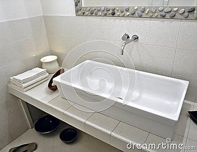 Witte wasbak in moderne badkamers stock afbeeldingen afbeelding 24183954 - Badkamer zen natuur ...