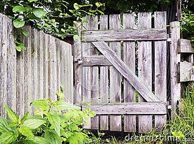 Woden gate