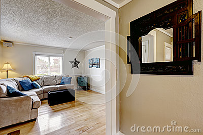 wohnzimmer mit beige sofa und blauen kissen stockfoto bild 45070565 - Wohnzimmer Beige Sofa