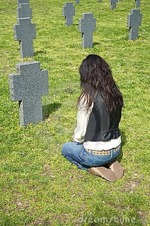 Free Woman At A Headstone Royalty Free Stock Photography - 10660217