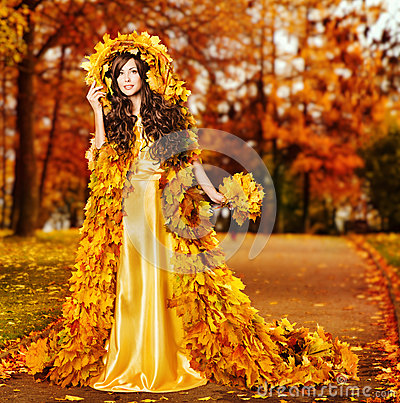 Free Woman Autumn Fashion Portrait, Fall Leaves, Model Girl Yellow Park Royalty Free Stock Image - 58706196