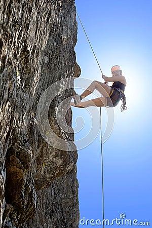 Free Woman Climbing Rock Royalty Free Stock Photography - 33562557
