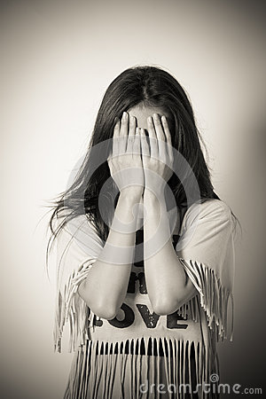 Free Woman Covering Her Eyes Royalty Free Stock Photos - 34127778
