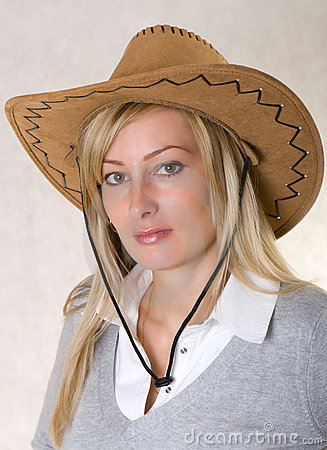 Woman in cowboy hat