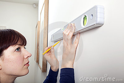 Woman DIY Spirit Level